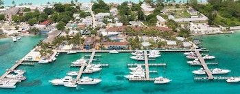 photo of Best Places To Take A Boating Vacation In The Winter
