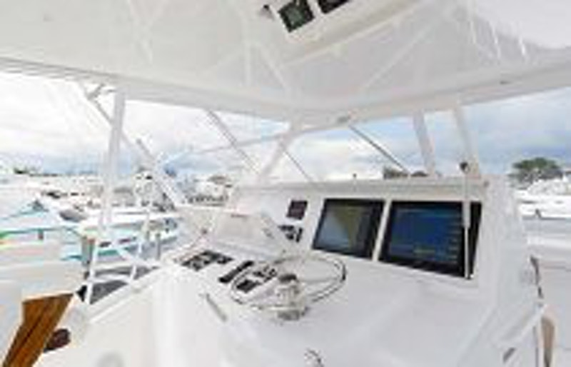 photo of Hatteras Yachts GT54 Flybridge Command Center 2
