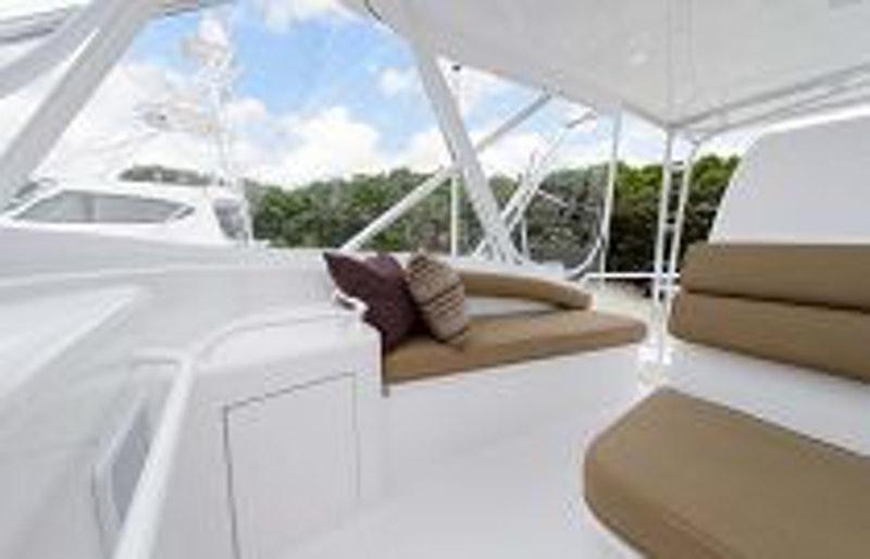 photo of Hatteras Yachts GT54 Flybridge Seating