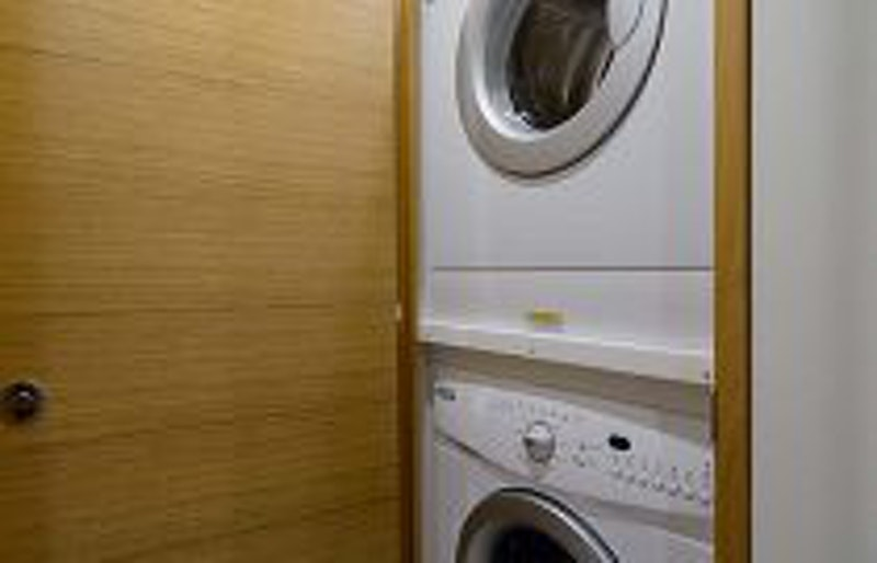 photo of Hatteras GT54 Washer Dryer