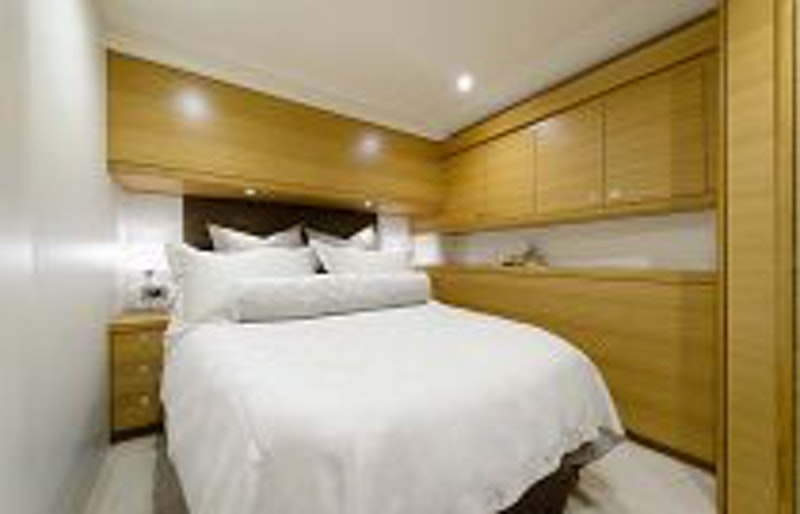 photo of Hatteras GT54 Guest Cabin