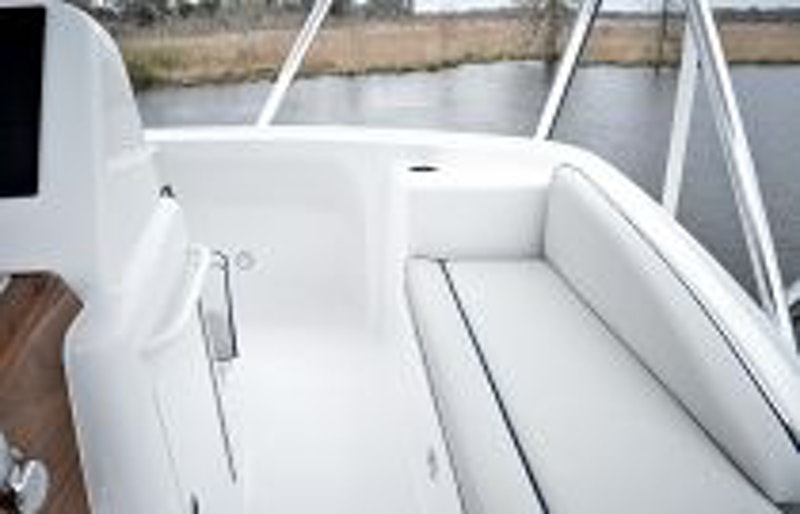 photo of Hatteras Yachts GT45X Flybridge